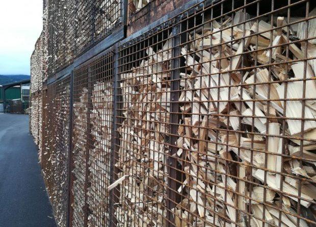 Le chauffage bois gravement menacé en rénovation ?